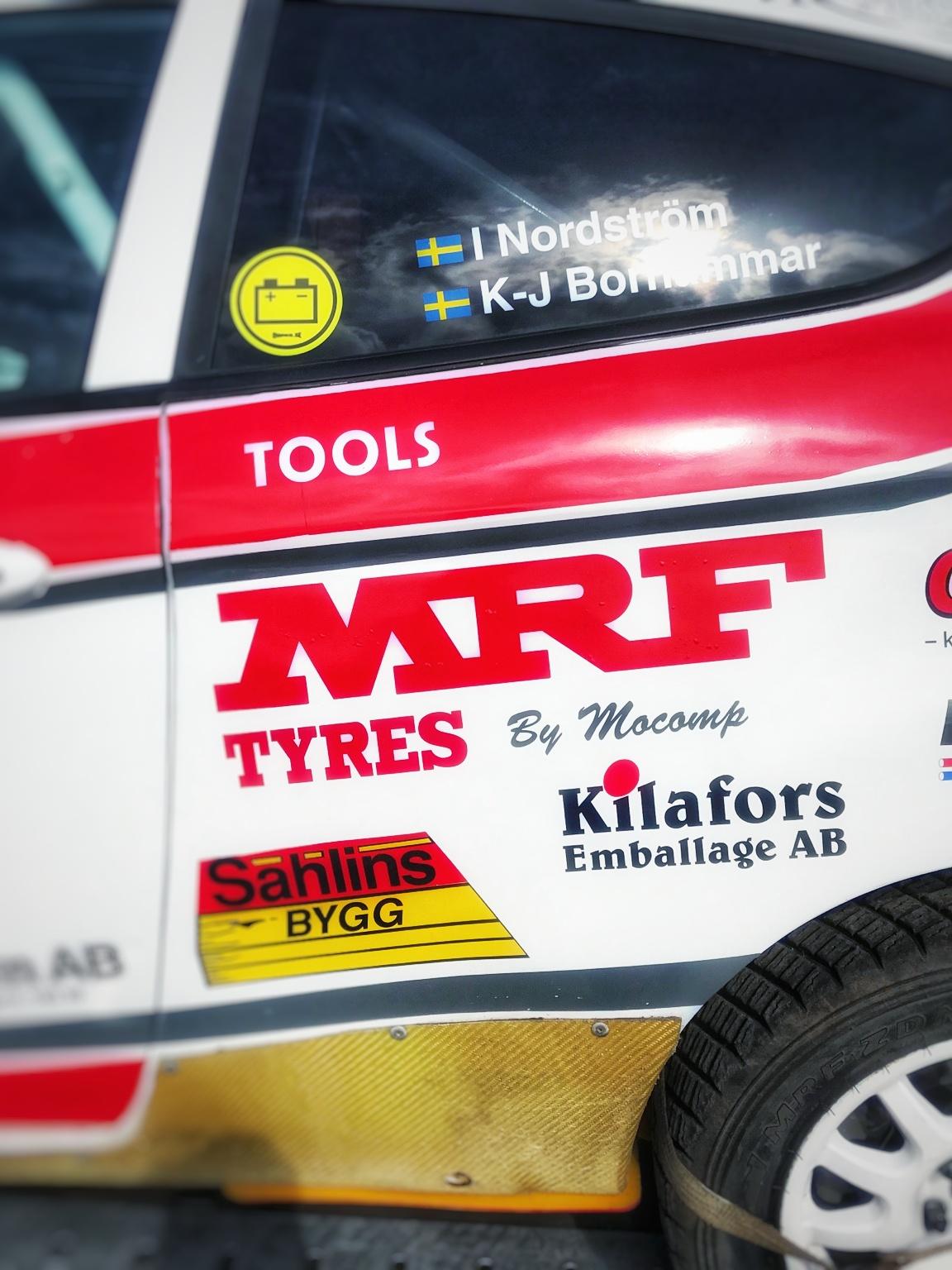 MRF Rallydäck på bilen för bästa grepp! Isac Nordström på väg till Gotland med hans nya R2 Ford